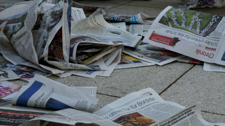 09 Zeitungen